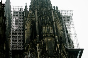 {de}Restaurirung am Dom{en}Restoration on Cologne Cathedral